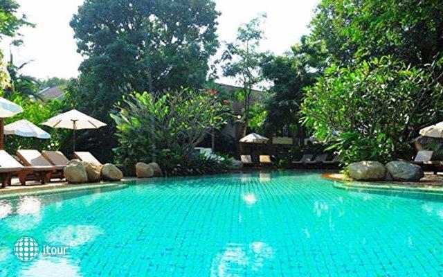 Woodlands Resort 6