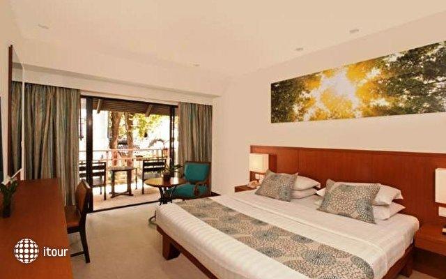 Woodlands Resort 3