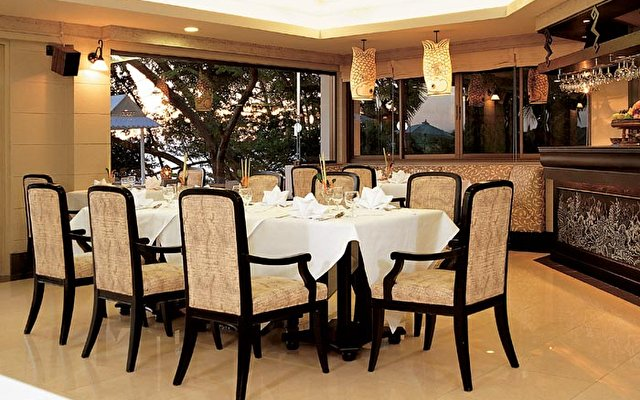 Pullman Pattaya Aisawan (ex. Aisawan Resort & Spa) 8