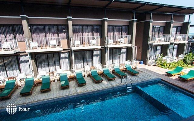 La Lune Beach Resort 4