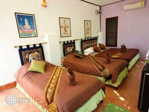 Banthaisangthain Resort 4