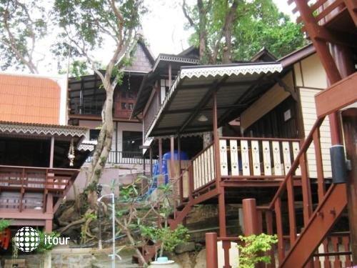 Banthaisangthain Resort 7