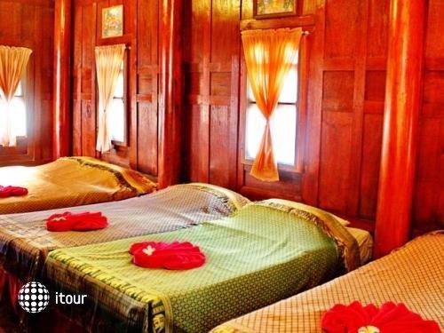 Banthaisangthain Resort 10