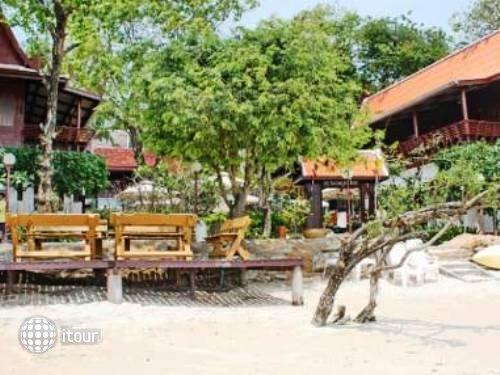 Banthaisangthain Resort 2
