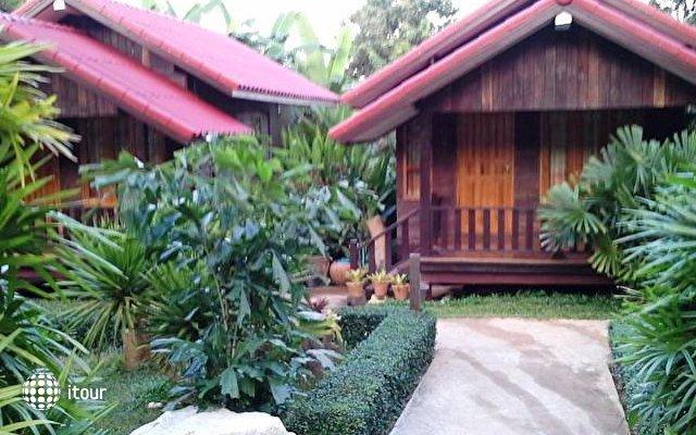 Ban Chom Samed Resort 1
