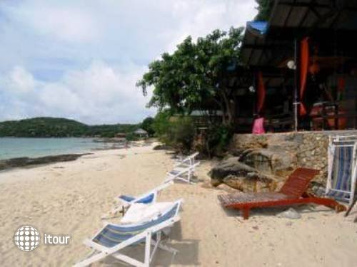 Sangthian Beach Resort 2