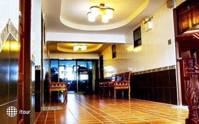 Jirawan Hotel 8
