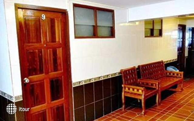 Jirawan Hotel 9