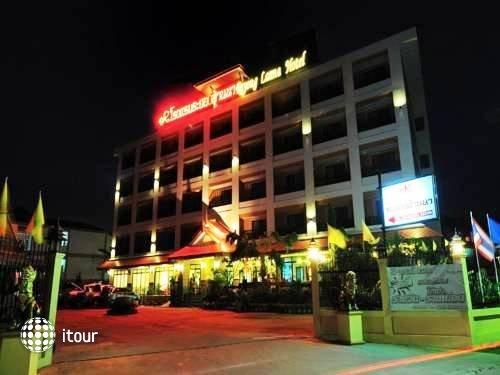 Rayong Lanna Hotel 1