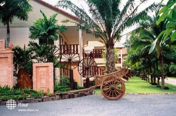 Koh Chang Grand Cabana 10