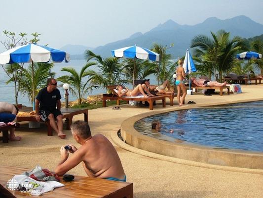 Coral Resort 6
