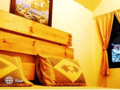 Tuk Tuk Guesthouse 3