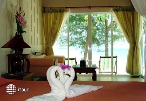 Coconut Beach Resort 5