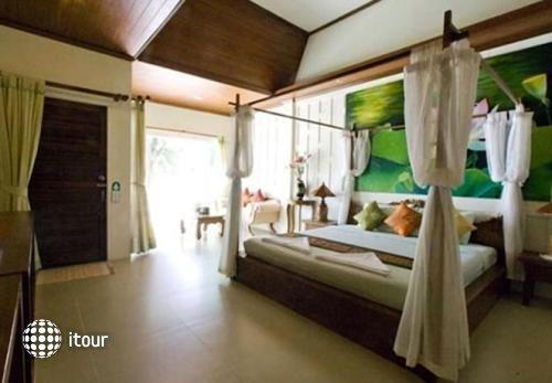 Coconut Beach Resort 6