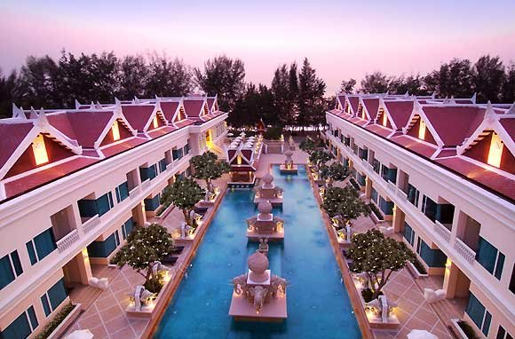 Grand Pacific Sovereign Resort And Spa 4