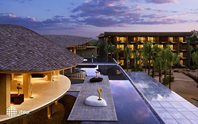 Renaissance Phuket Resort & Spa 1