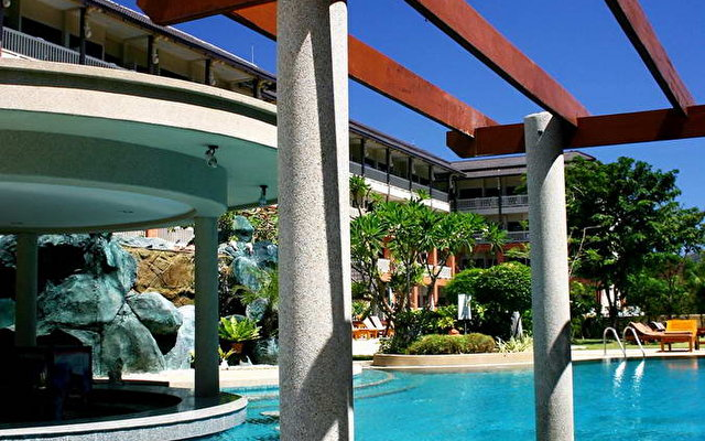 Kata Sea Breeze Hotel 6