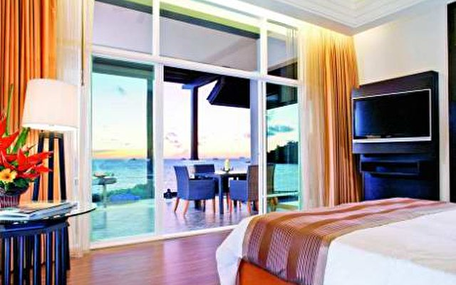 Radisson Plaza Resort Phuket Panwa 4