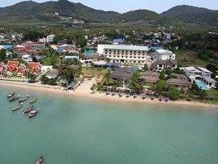 Chalong Beach Hotel & Spa 1