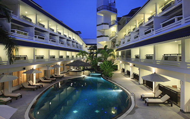 Courtyard By Marriott Phuket At Patong Beach 1