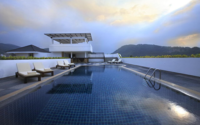 Courtyard By Marriott Phuket At Patong Beach 7