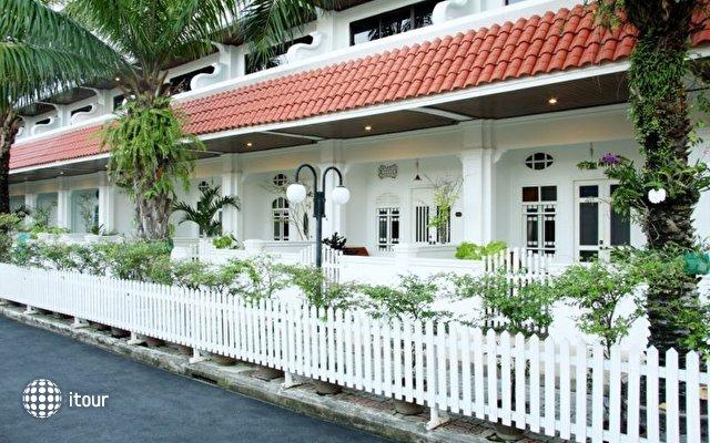 The Old Phuket Karon Beach Resort 4