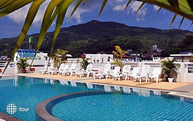 Issara Resort 1
