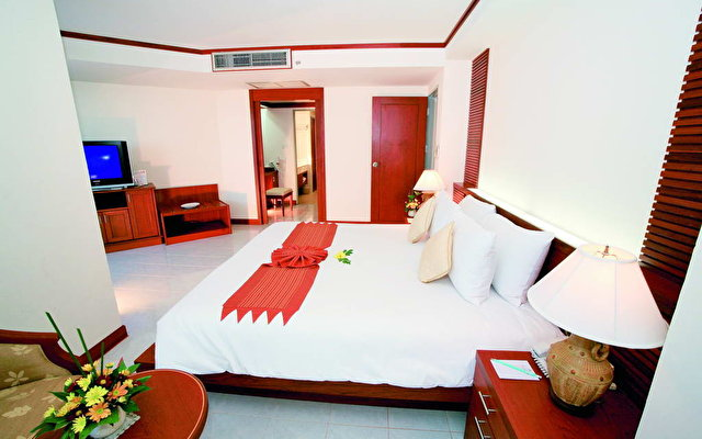 Andaman Beach Suites 5