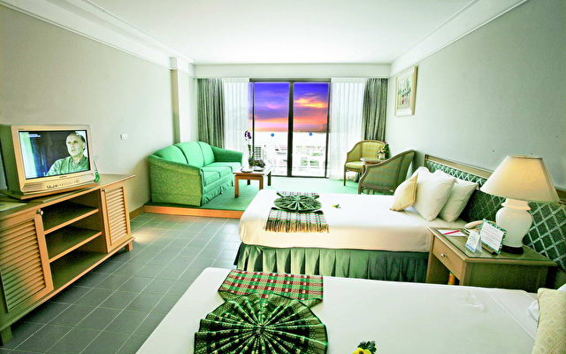 Andaman Beach Suites 6