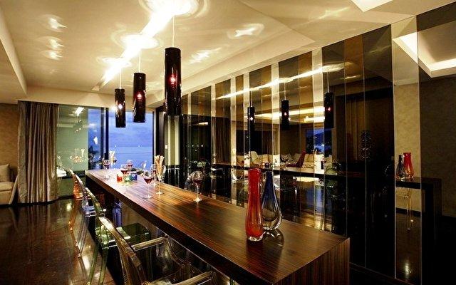 Dusit D2 Phuket Resort 9