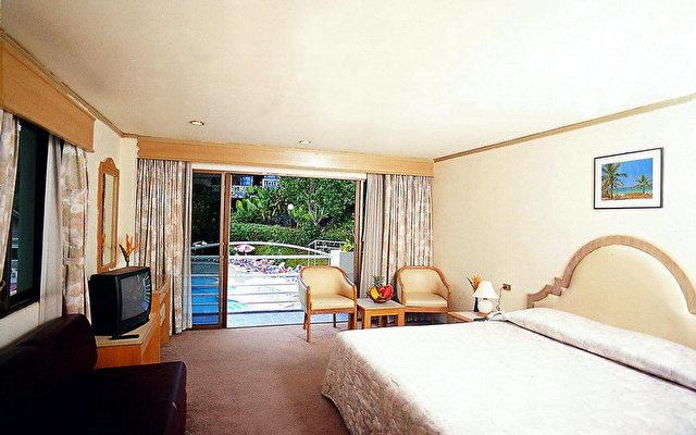 Royal Crown Hotel 10