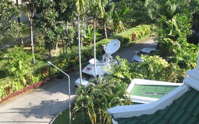 Le Meridien Phuket Beach Resort 9