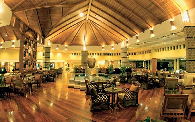 Merlin Beach Resort 3