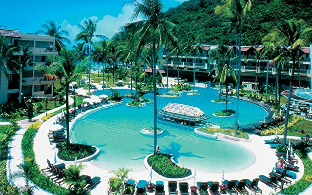 Merlin Beach Resort 4