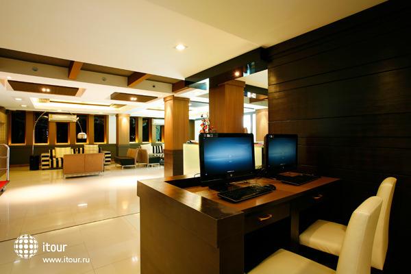 7 Q Hotel 6
