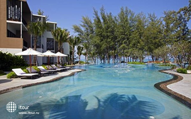 Holiday Inn Resort Phuket Mai Khao Beach 2