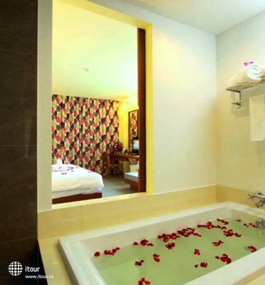 Karon Phunaka Resort & Spa 5