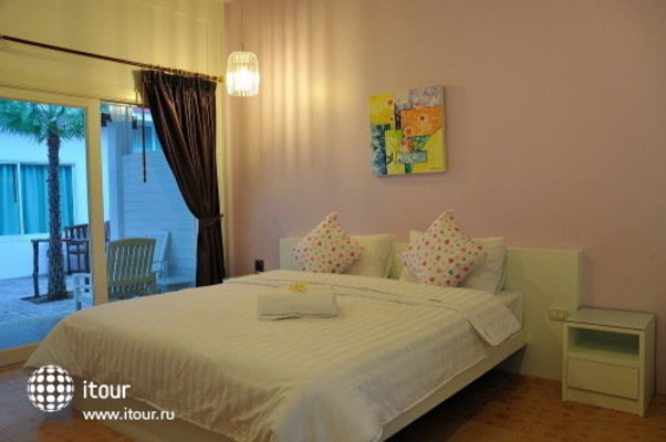 Kamala Beach Inn 9