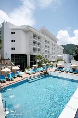 White Peach Hotel 6