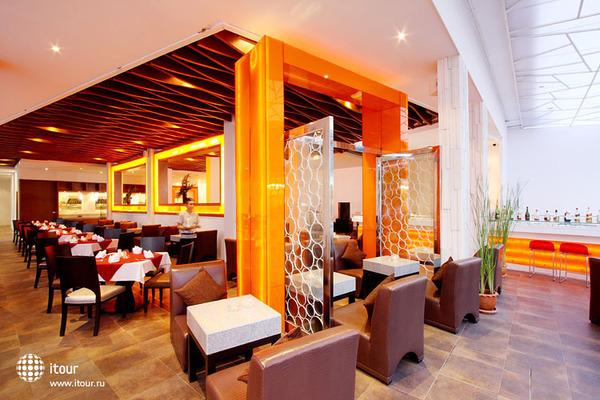 White Peach Hotel 7