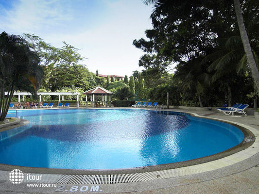 The Waterfront Suites Phuket 4