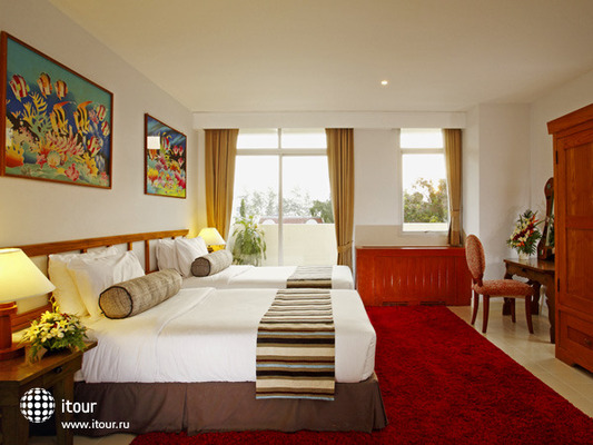 The Waterfront Suites Phuket 3