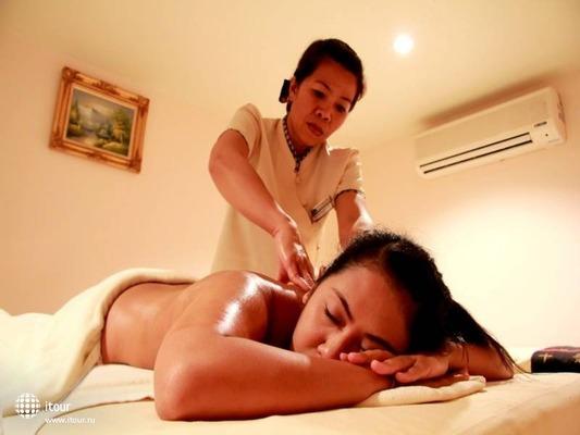 Baumanburi Hotel Phuket 9