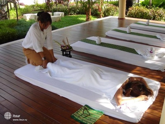 Baumanburi Hotel Phuket 10