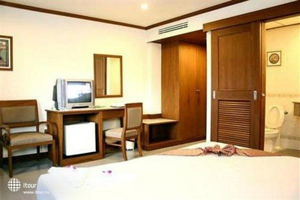 Rattana Beach Hotel 7