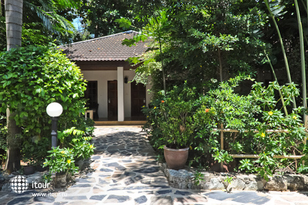 Tropica Bungalow 1