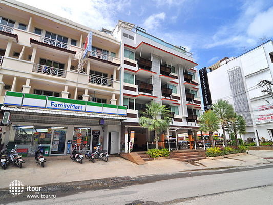 Kata Beach Studio Apartment 1