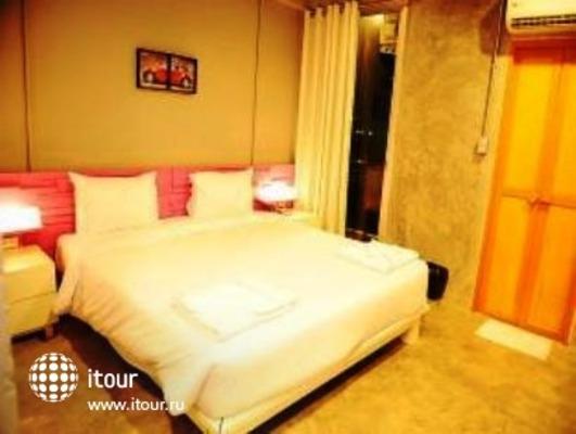 The Oddy Hotel 3