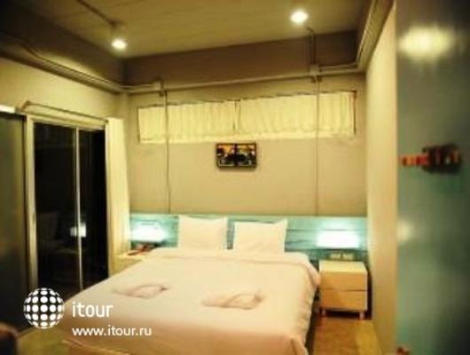 The Oddy Hotel 6