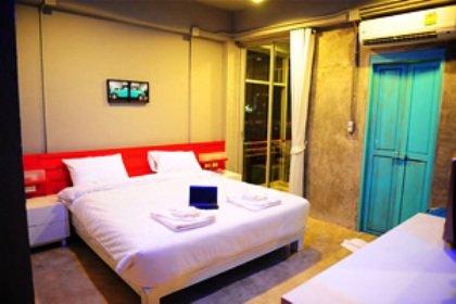 The Oddy Hotel 7